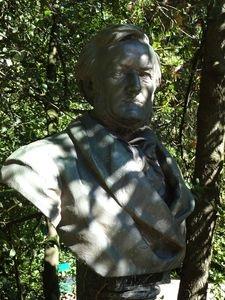 ヴェーゼンドンク邸の隣地にあるワーグナーの胸像