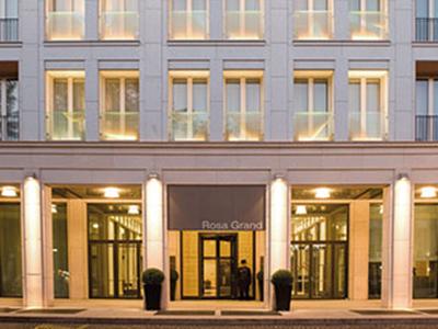 ミラノ: スターホテルズ・ローザ・グランド Starhotels Rosa Grand
