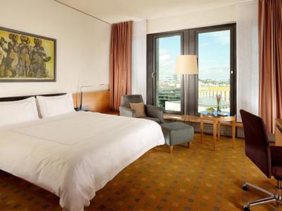 ベルリン: スイスホテル Swissotel Berlin