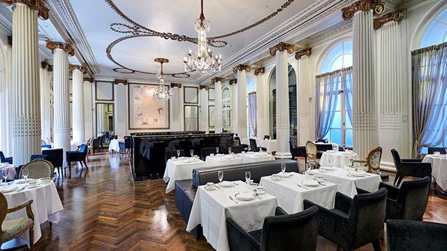 ロンドン: ウォルドルフ・ヒルトン The Waldorf Hilton