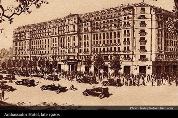 パリ:マリオット・オペラ・アンバサダー Paris Marriott Opera Ambassador